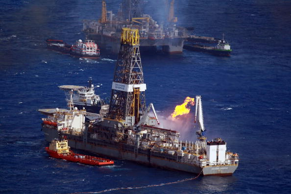 Deepwater Horizon「Gulf Coast Battles Continued Spread Of Oil In Its Waters And Coastline」:写真・画像(5)[壁紙.com]