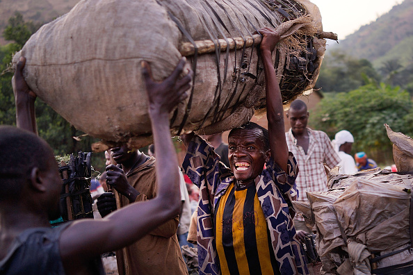 Small Office「Burundians Struggle To Make A Living As Political Crisis Continues」:写真・画像(18)[壁紙.com]