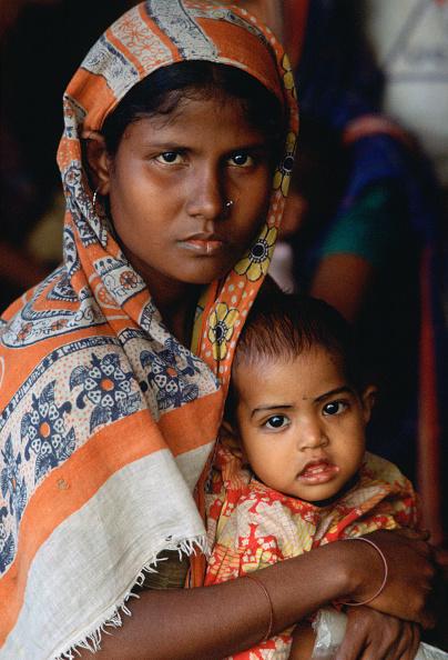 Tim Graham「Mother & child, Bangladesh」:写真・画像(7)[壁紙.com]