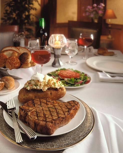 Formal steak baked potato dinner:スマホ壁紙(壁紙.com)
