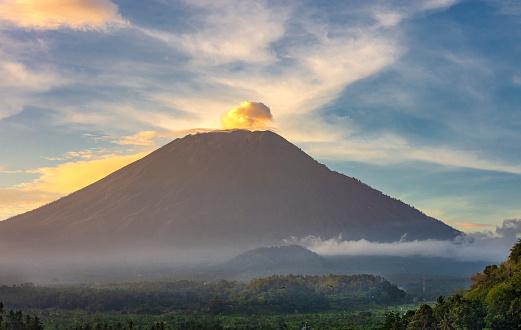 Active Volcano「Mount Agung」:スマホ壁紙(12)