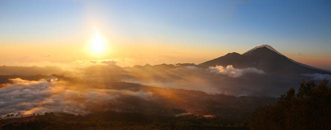 Active Volcano「Mount Agung volcano in Bali」:スマホ壁紙(14)