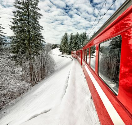 Ski Resort「Appenzeller Bahnen red train in beautiful Swiss winter view」:スマホ壁紙(2)