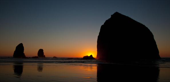 Cannon Beach「Sunset at Cannon Beach, Oregon」:スマホ壁紙(19)