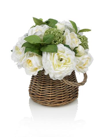 Flower Arrangement「ホワイトのローズとラナンキュラスのブーケに白背景」:スマホ壁紙(3)