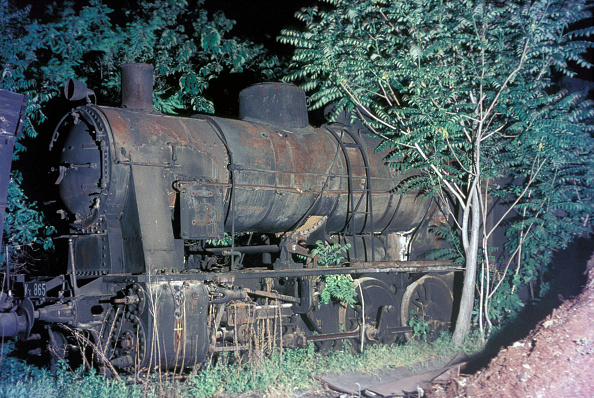 Rotting「A Belgian built 0-10-0 rots amid the locomotive dump at Thessaloniki in Greece on Saturday 15 May 1976.」:写真・画像(18)[壁紙.com]