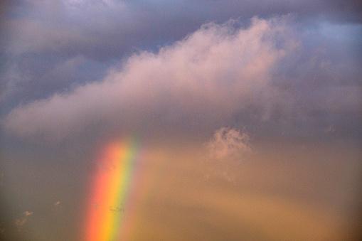 虹「Cloudscape with rainbow」:スマホ壁紙(16)