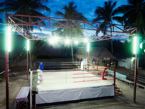 Boxing - Sport「Empty Thai boxing ring illuminated at evening」:スマホ壁紙(6)