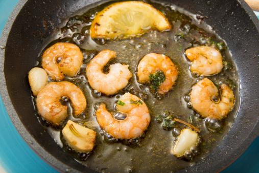 Garlic Clove「Fried shrimps in a pan」:スマホ壁紙(7)