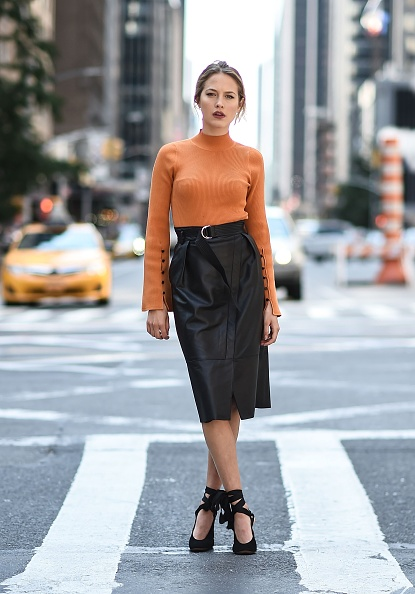Skirt「Tess Ward Street Style Sighting」:写真・画像(11)[壁紙.com]