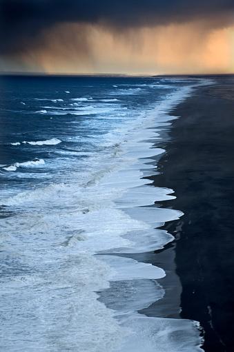 Dyrholaey「Ocean Storm in Iceland」:スマホ壁紙(17)