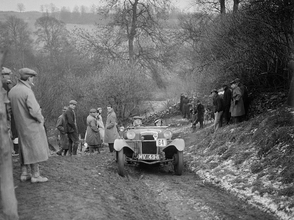 Country Road「Frazer-Nash Boulogne II of P Lees competing in the Sunbac Colmore Trial, Gloucestershire, 1933」:写真・画像(7)[壁紙.com]
