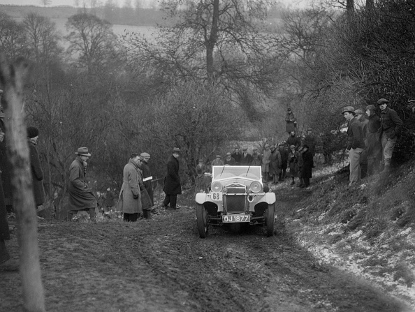 Country Road「Frazer-Nash Boulogne II of RS Langford competing in the Sunbac Colmore Trial, Gloucestershire, 1933」:写真・画像(8)[壁紙.com]