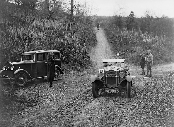 Country Road「Frazer-Nash Boulogne of DS Hopkins competing in the Inter-Varsity Trial, November 1931」:写真・画像(9)[壁紙.com]