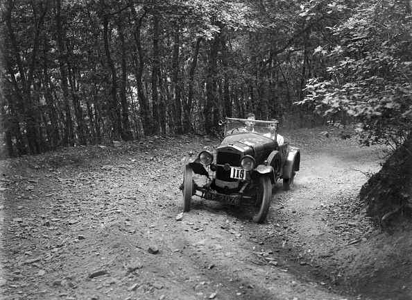 Country Road「Frazer-Nash competing in the Brighton & Hove Motor Club Brighton-Beer Trial, 1934」:写真・画像(16)[壁紙.com]