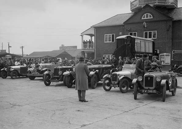 Motorsport「Cars at Brooklands, Surrey, c1930s」:写真・画像(4)[壁紙.com]
