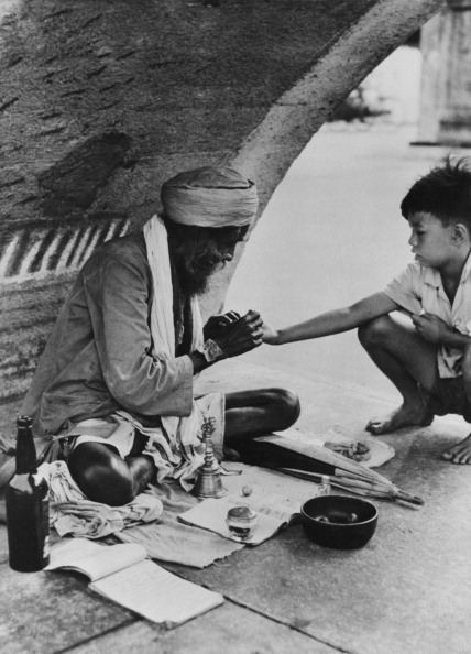 Indian Subcontinent Ethnicity「Indian Fortune-Teller」:写真・画像(5)[壁紙.com]