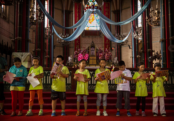 Religion「Chinese Catholics Worship As Pope Sends Rare Greetings to Nation's Leader」:写真・画像(3)[壁紙.com]