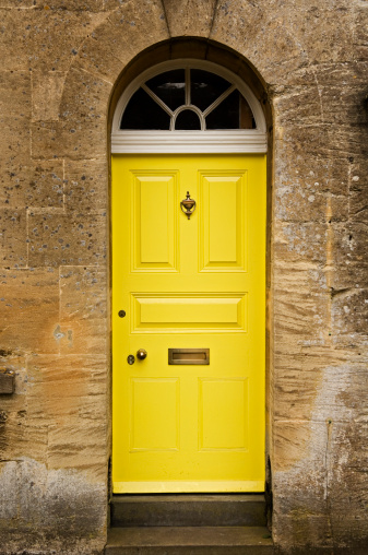 Cotswolds「Brightly painted door.」:スマホ壁紙(17)