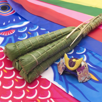 Carp「Rice dumplings wrapped in bamboo leaves on a carp streamer」:スマホ壁紙(19)