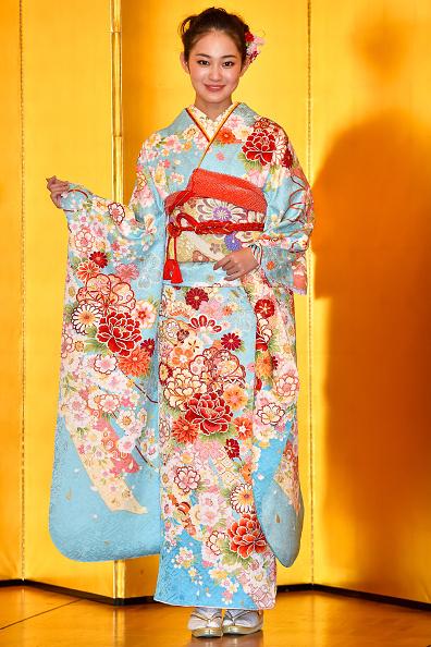 着物「Oscar Promotion Holds New Year's Kimono Photocall」:写真・画像(12)[壁紙.com]