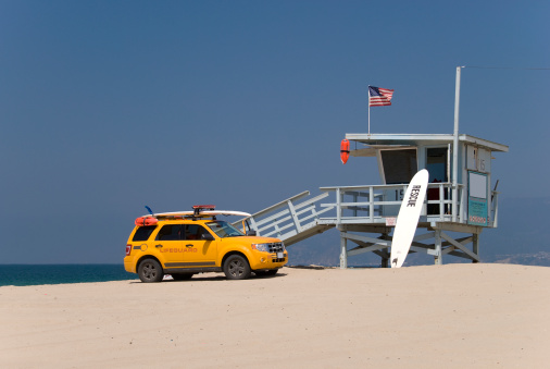 Lifeguard「Lifeguard station and lifeguards car」:スマホ壁紙(12)