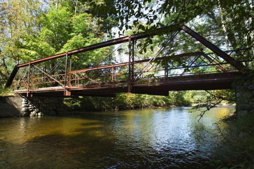 Adirondack Mountains「Bridge over river through the Adirondacks, New York」:スマホ壁紙(15)