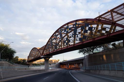 Car Dealership「A bridge over the road.」:スマホ壁紙(6)