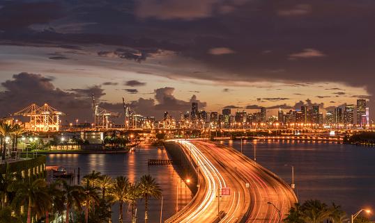 Miami「Bridge over water in Miami, Florida, United States」:スマホ壁紙(2)