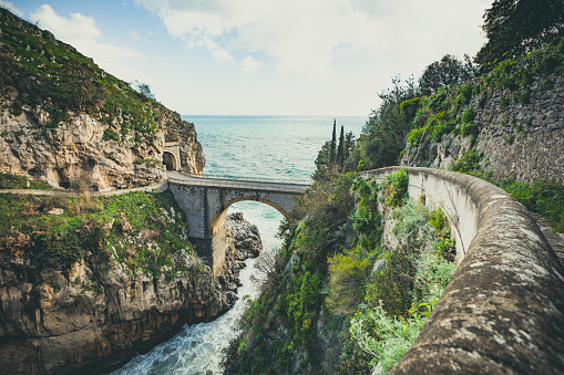 Coastline「bridge over the fjord of furore, amalfi coast, italy」:スマホ壁紙(10)