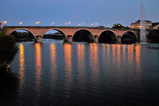 Nouvelle-Aquitaine「Bridge over Dordogne river, Bergerac, France」:スマホ壁紙(19)