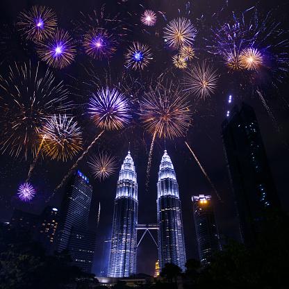 New Year「Kuala lumpur skyline with Fireworks celebration New year day」:スマホ壁紙(7)