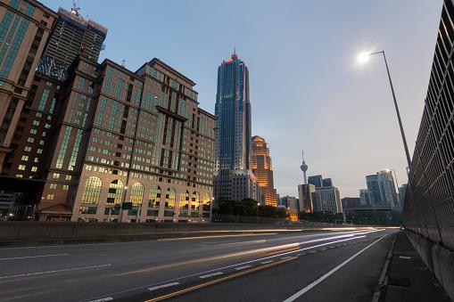 Kuala Lumpur「Kuala Lumpur skyline with KL Tower」:スマホ壁紙(4)