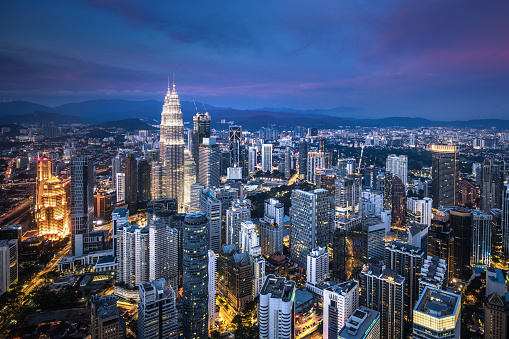 Kuala Lumpur「Kuala Lumpur skyline at dusk」:スマホ壁紙(17)