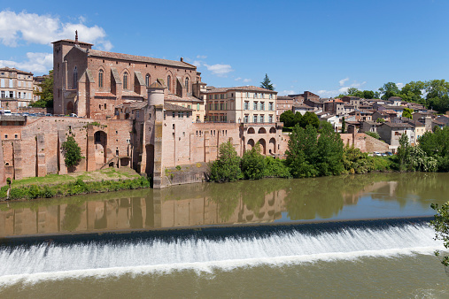Abbey - Monastery「France, Tarn, Gaillac, Saint Michel abbey and Tarn」:スマホ壁紙(14)