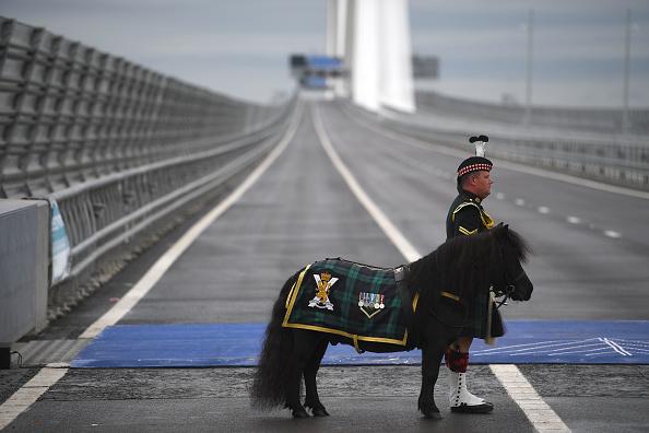 キャラクター「The Queen Opens Queensferry Crossing Over The Forth」:写真・画像(0)[壁紙.com]