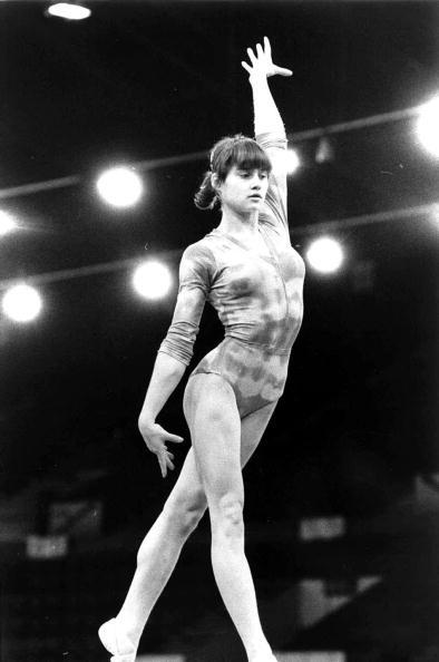 オリンピック「Nadia Comaneci Performs Routine 」:写真・画像(13)[壁紙.com]