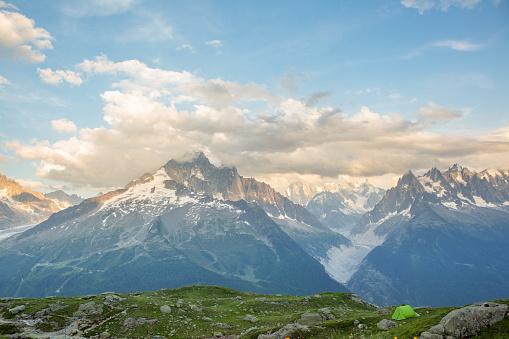 European Alps「Mountain Camping in Europe」:スマホ壁紙(8)