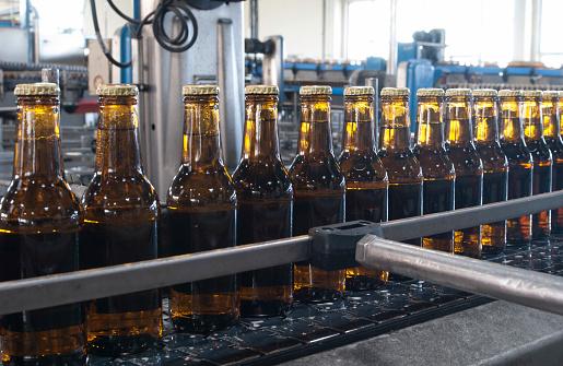 Side By Side「Beer Bottling plant. Málaga, Spain」:スマホ壁紙(19)