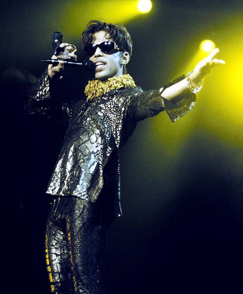 歌手「The Artist on Tour 1997, Mountain View Calif.」:写真・画像(18)[壁紙.com]