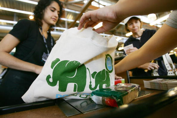 Reusable Bag「Whole Foods Bans Plastic Bags In All Of Its Stores」:写真・画像(4)[壁紙.com]