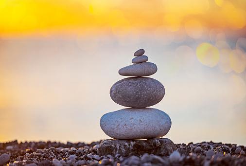 岩「Stone stack at beach」:スマホ壁紙(7)