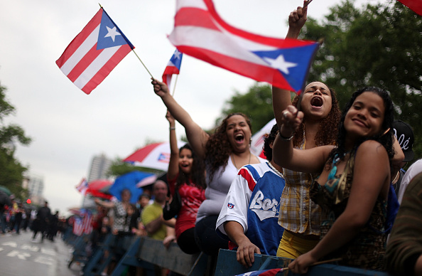 Cultures「Puerto Rican New Yorkers Hold Giant Street Party Ahead Of Annual Parade」:写真・画像(15)[壁紙.com]