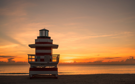 Miami Beach「Lifeguard post on a beach at sunrise.」:スマホ壁紙(10)