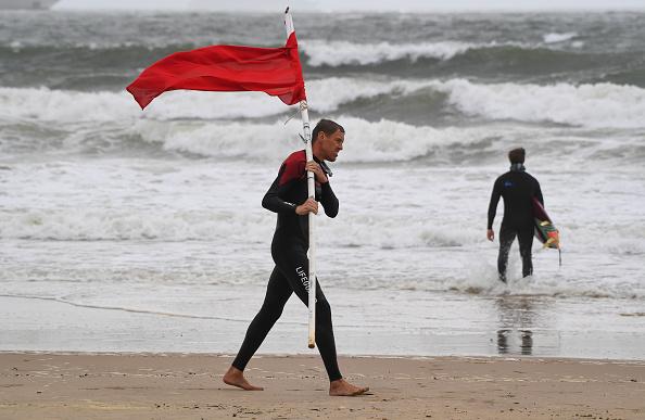Red「West Of UK Battered By Storm Ellen One Week After Heatwave」:写真・画像(11)[壁紙.com]