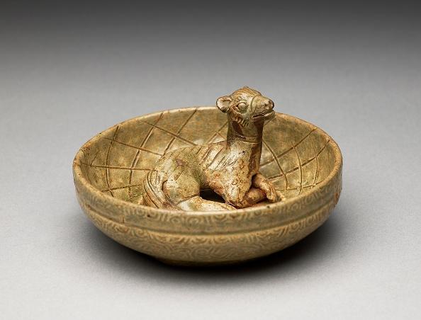 Crockery「Greenware Burial Figure Of Animal In A Pen」:写真・画像(2)[壁紙.com]