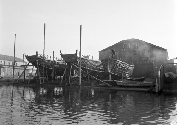 Square Shape「Shipyard In Chiggia」:写真・画像(13)[壁紙.com]