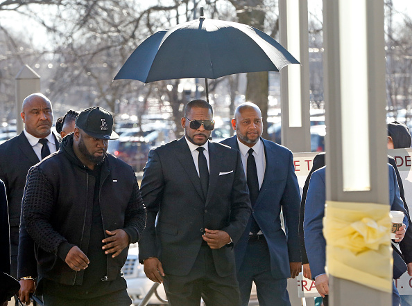 Kelly public「R. Kelly Back In Court For Aggravated Sexual Abuse Charges」:写真・画像(18)[壁紙.com]