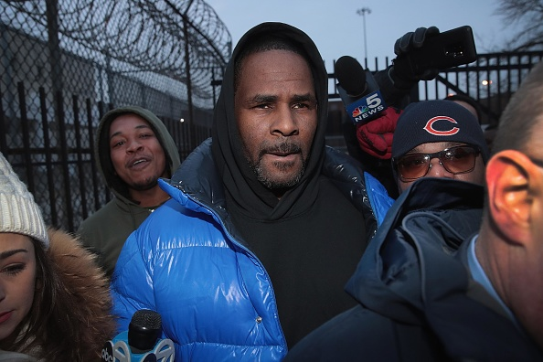 R「R. Kelly Appears In Court For Aggravated Sexual Abuse Charges」:写真・画像(6)[壁紙.com]