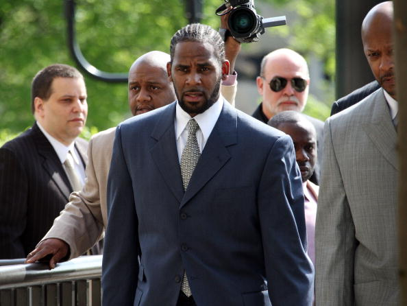 Courthouse「Jury Selection Begins In R. Kelly Child Pornography Trial」:写真・画像(0)[壁紙.com]